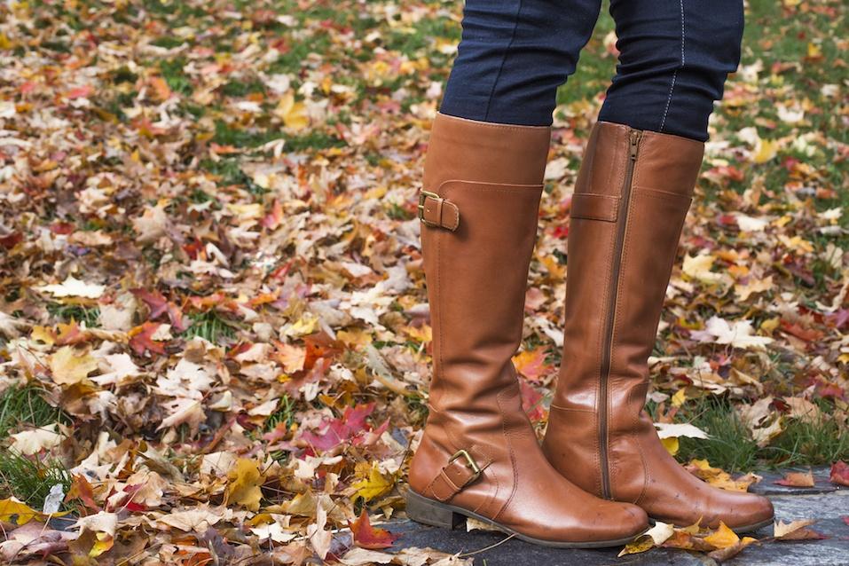 Woman wearing brown boot