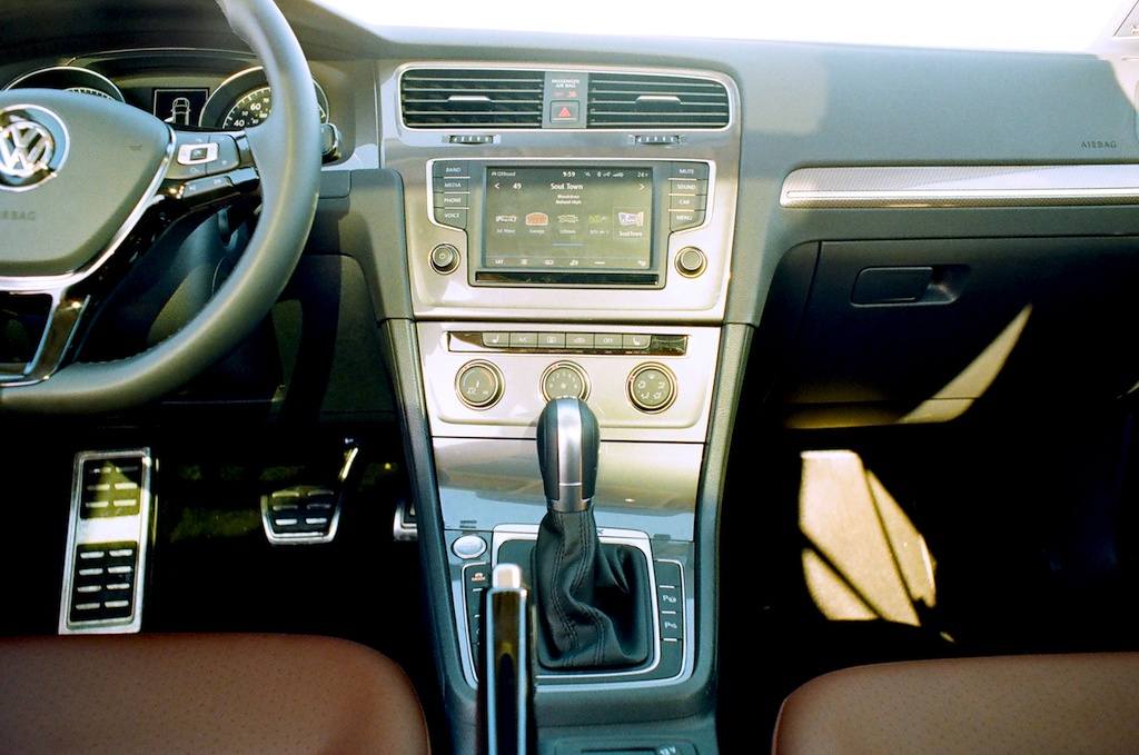 Cd Players And Other Popular Features Your Next Car Won T Have