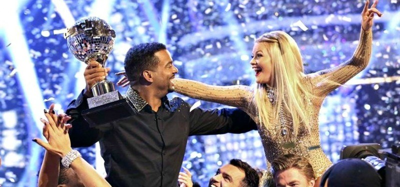 Alfonso Ribeiro and Witney Carson celebrating their win of the Mirror Ball.