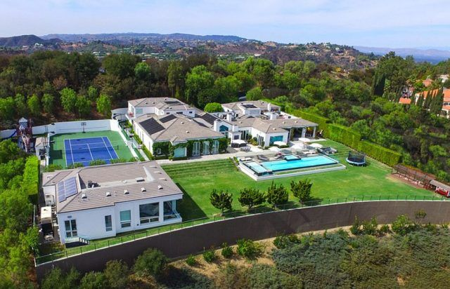 Gwen Stefani and Gavin Rossdale's former Beverly Hills home, with a private tennis court and swimming pool.