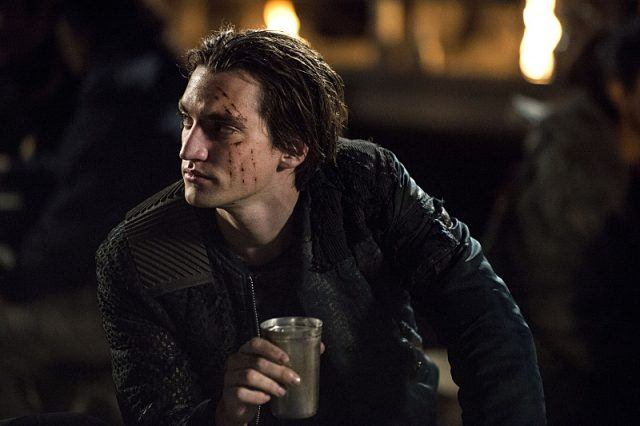 Murphy in an episode of 'The 100.'