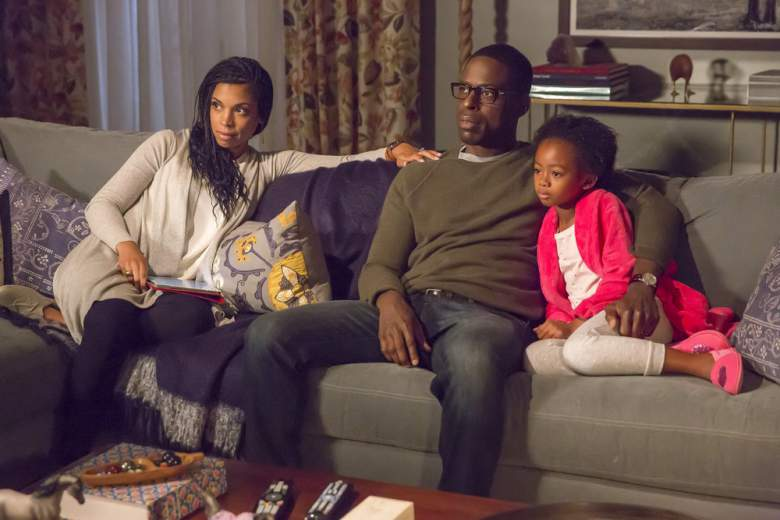 Sterling K. Brown's Randall Pearson and Susan Kelechi Watson's Beth Pearson sit on a couch with their kids in NBC's This is Us