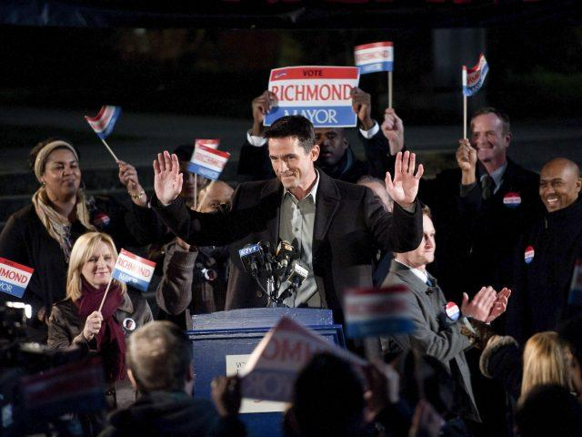 Mayoral candidate Darren Richmond speaks to a crowd in a scene from 'The Killing' Season 1 finale.