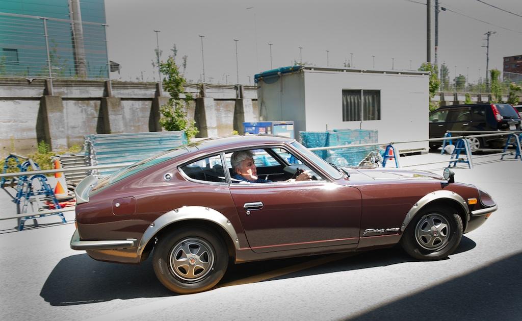 Jay Leno driving a 1970 Fairlady Z.