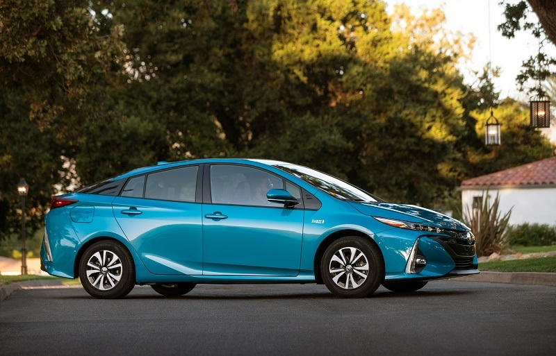 Prius Prime in profile, Blue Magnetism color