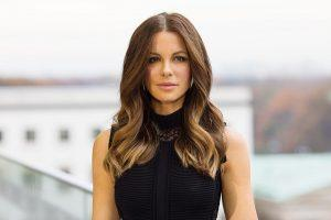 Try These Timeless Hair Styles That Are Perfect for Your Next Date Night