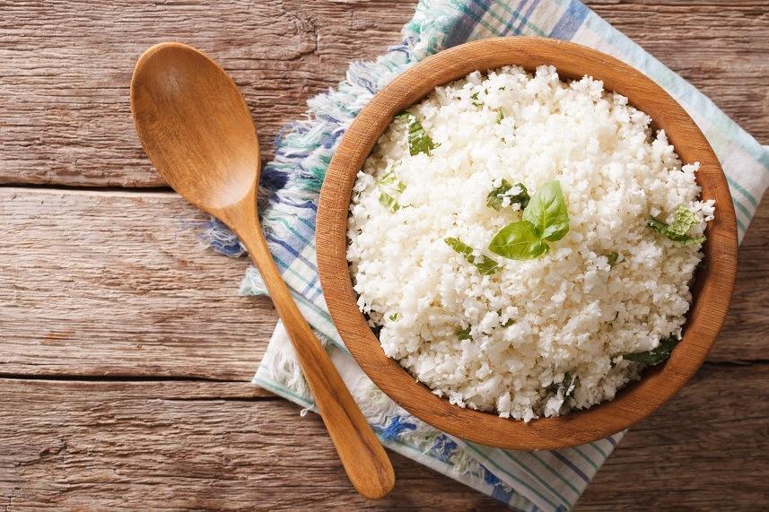 Cauliflower rice with basil