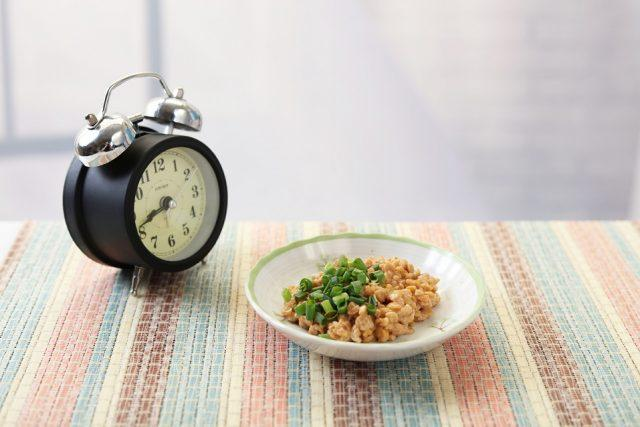 Shed pounds by eating more slowly.