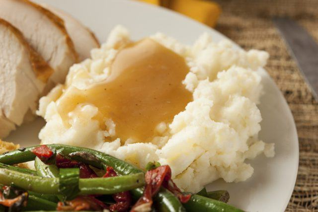 Mash potato and gravy with green beans