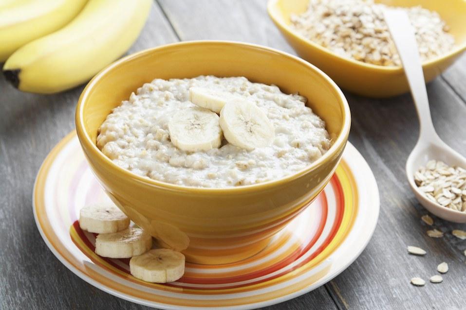 Oatmeal with bananas