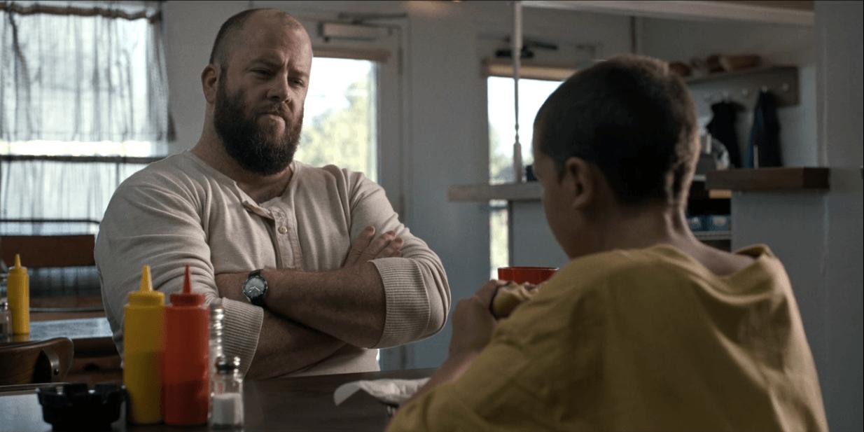 On 'Stranger Things,' Benny makes Eleven a hamburger