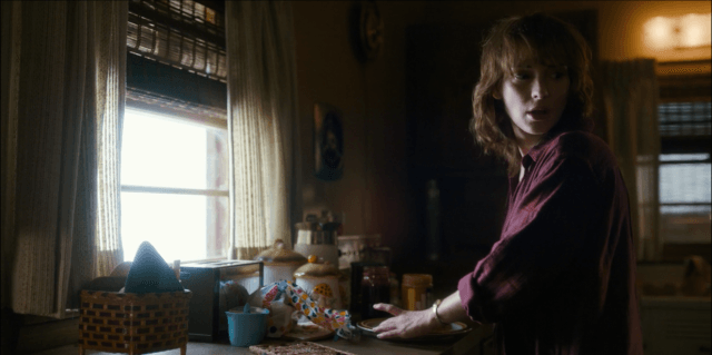On 'Stranger Things,' Joyce makes a peanut butter and jelly sandwich for Will