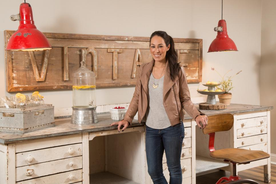 Portrait of Fixer Upper co-host Joanna Gaines in the dining/crafting room at the Gulley home.