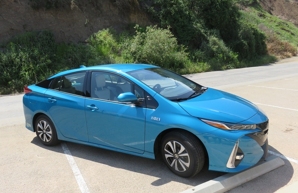 Prius Prime from left 3/4