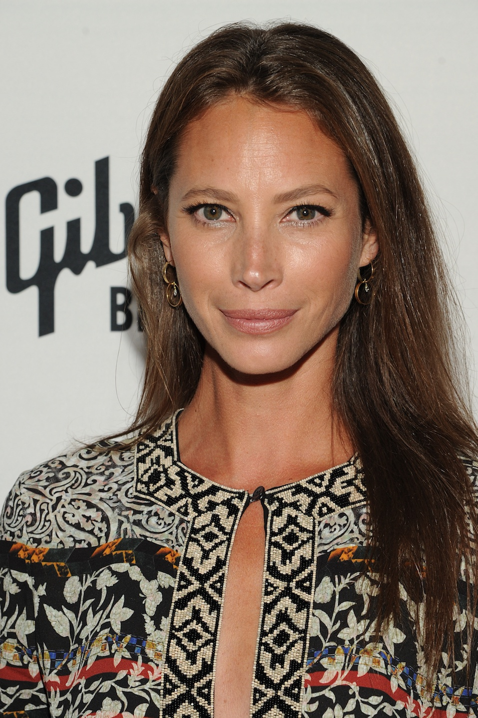 Celebrities Without Eyebrows (25 PHOTOS)