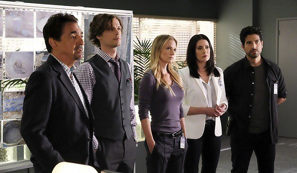 The cast of 'Criminal Minds' standing in a line.