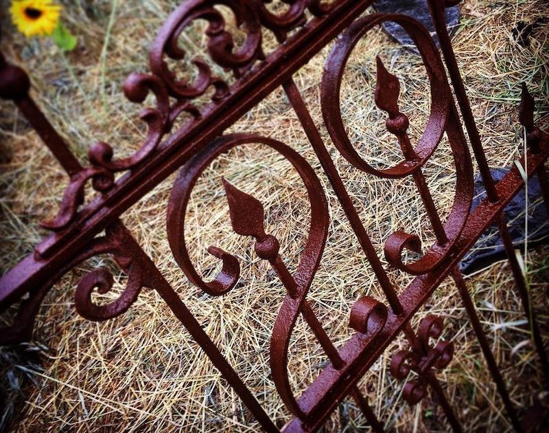 The gate of 29 Neibolt St