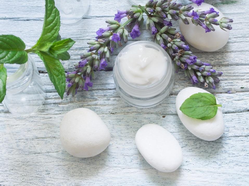 facial cream with herbs
