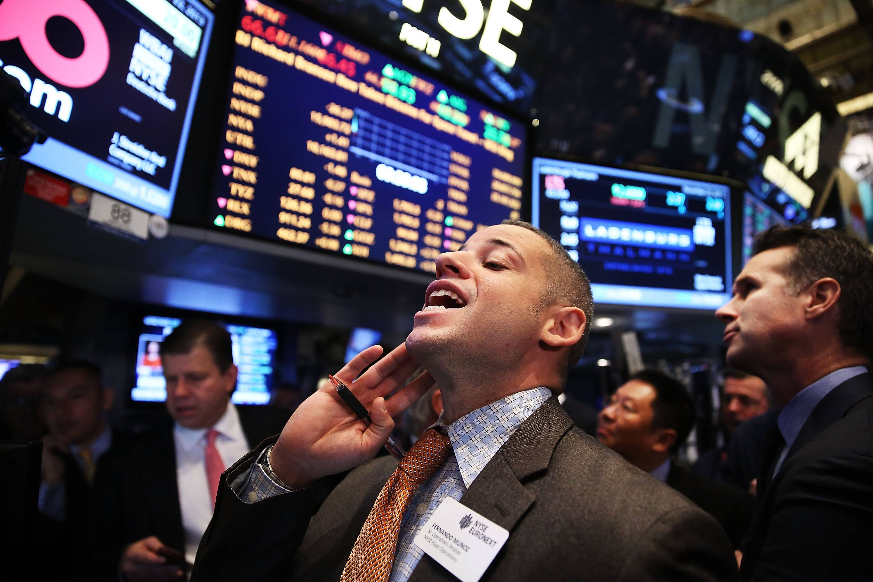 Marijuana stocks the world 39 s first marijuana etf bets big for Spiegel young money etf