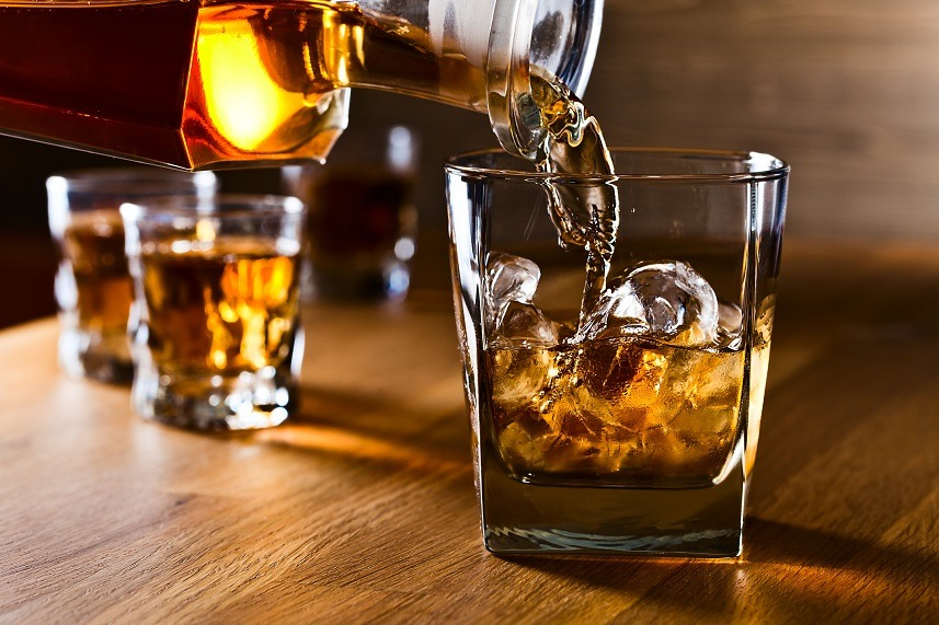 whiskey and natural ice