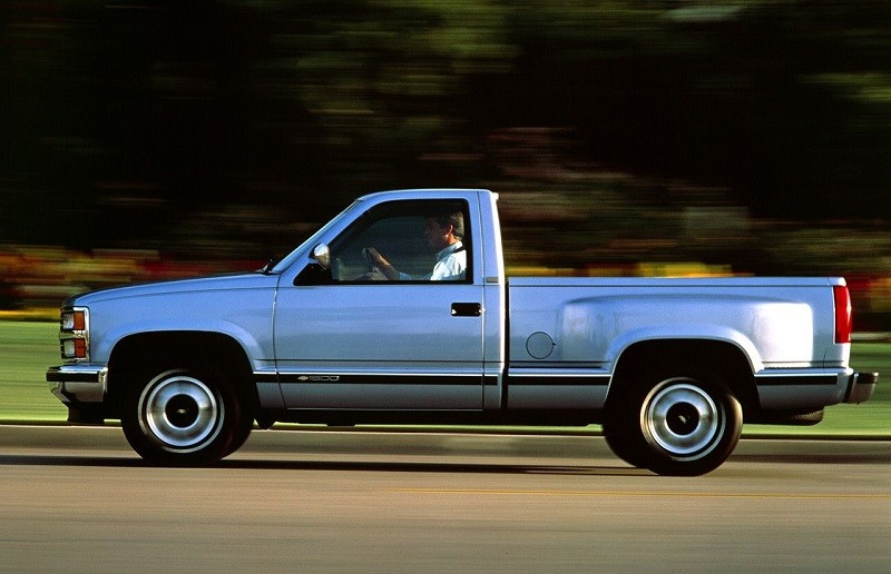 Side view of '91 Silverado 1500 pickup in motion
