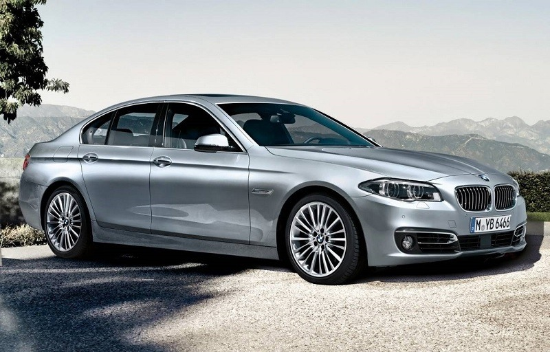 Side view of silver BMW 535i