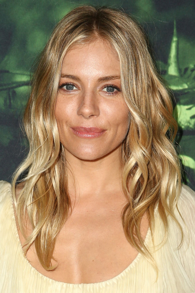 Actor Sienna Miller attends the premiere of Amazon Studios' 'The Lost City Of Z'