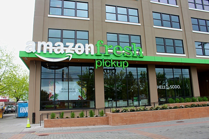 Another view of the Amazon Fresh pickup storefront