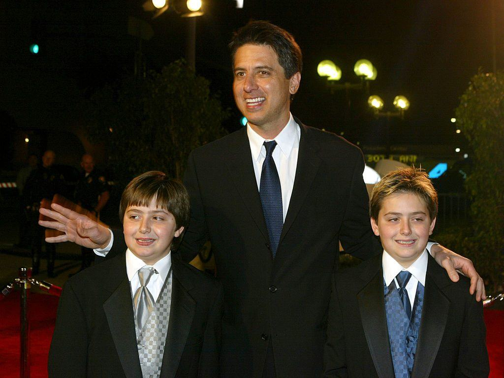 Ray Romano and twin sons pose on the red carpet