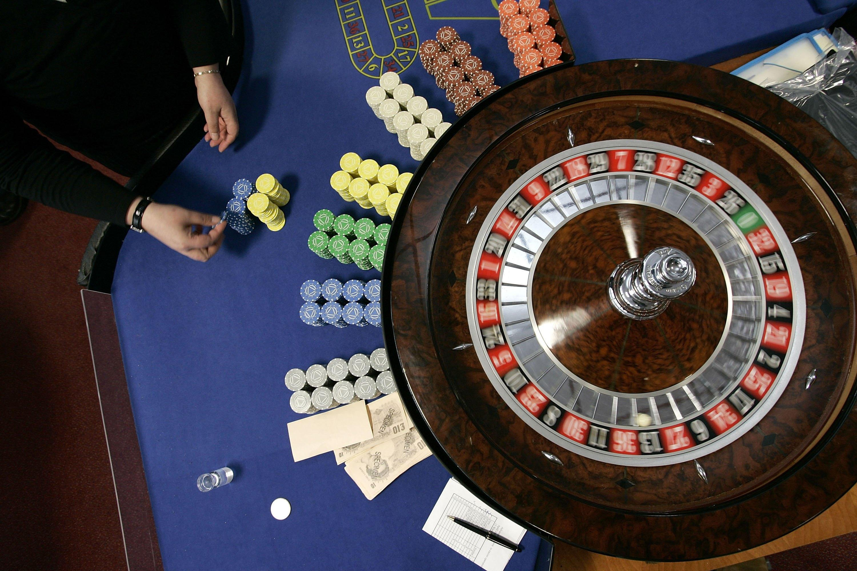 gambling, roulette wheel