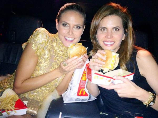 Heidi Klum ad a friend eating McDonalds