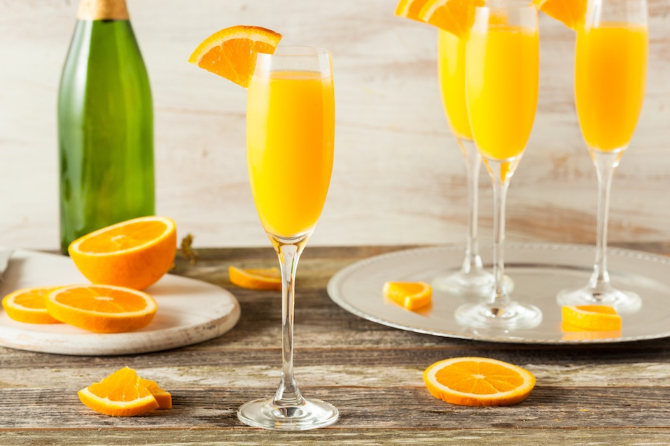 Homemade Refreshing Orange Mimosa Cocktails with Champaigne