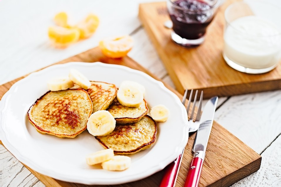 Pancakes with banana slices