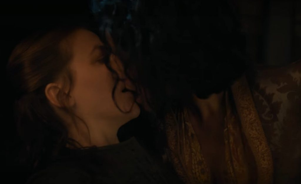 Two women kissing on Game of Thrones