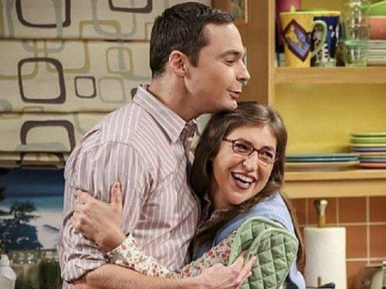 Sheldon and Amy hug each other in The Big Bang Theory