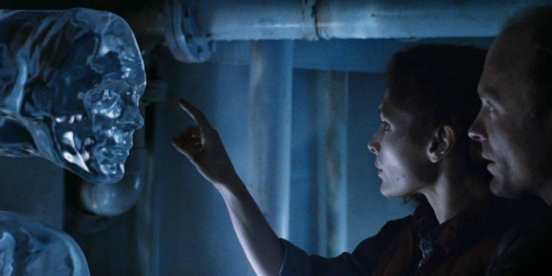 Mary Elizabeth Mastrantonio is about to touch a water creature in The Abyss.