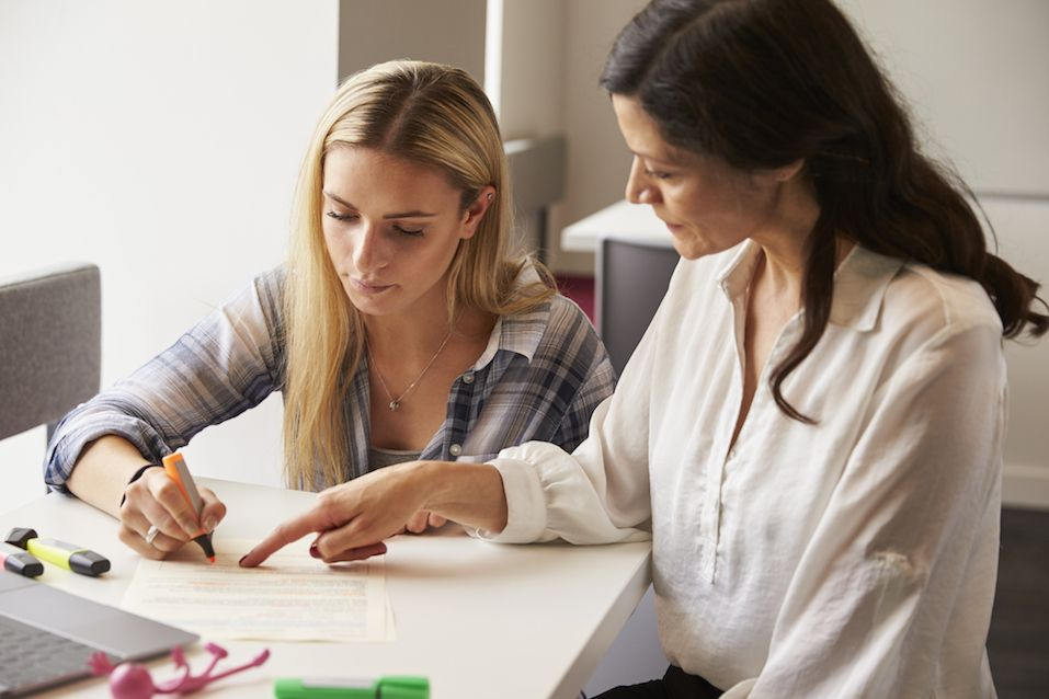 Tutor Using Learning Aids To Help Student