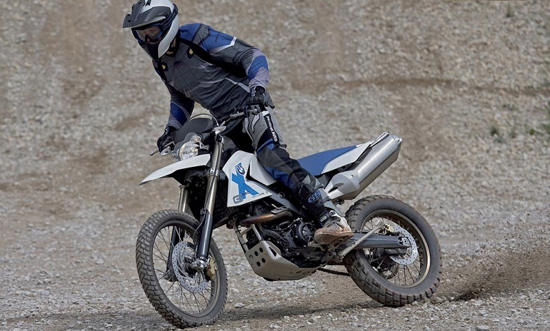 VBiew of BMW G65 XChallenge in off-road conditions