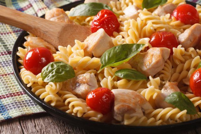 This is one of the healthiest pasta dishes you can order at Applebee's.