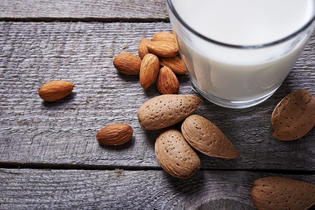 almond milk and almond seeds