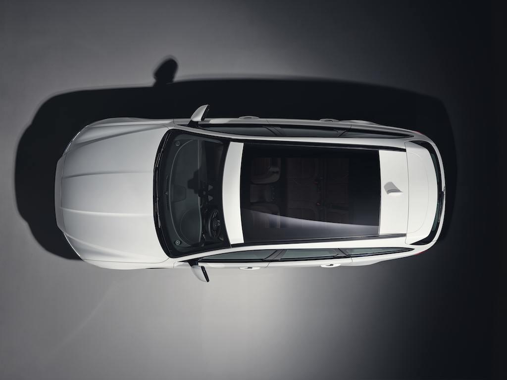 2018 Jaguar XF Sportbrake teaser image