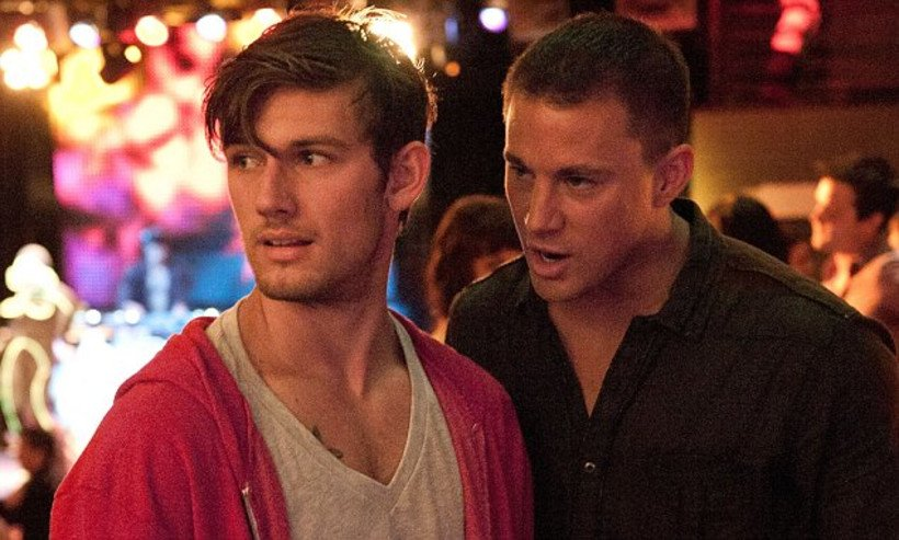 Alex Pettyfer and Channing Tatum talk in Magic Mike