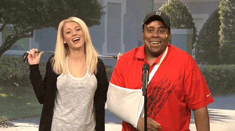 Blake Lively standing next to Kenan Thompson, who has a golf club bent over his head.