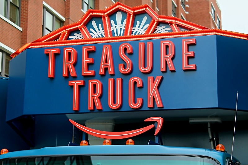 Close-up on the Amazon Treasure Truck