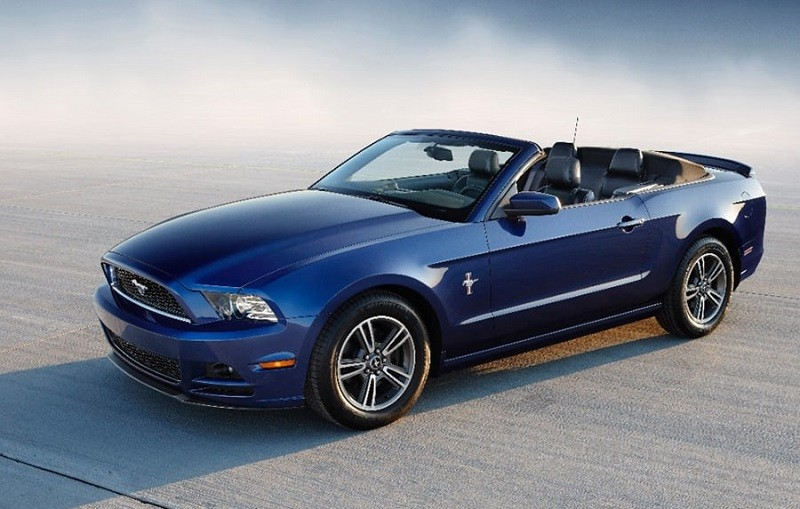 Blue Mustang convertible for '14 model year
