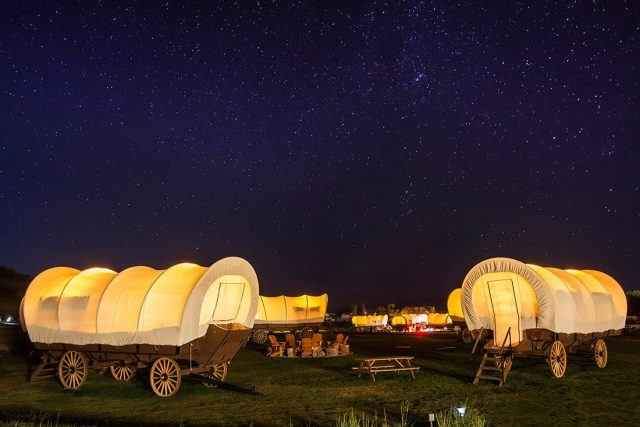 Campsite of covered wagons