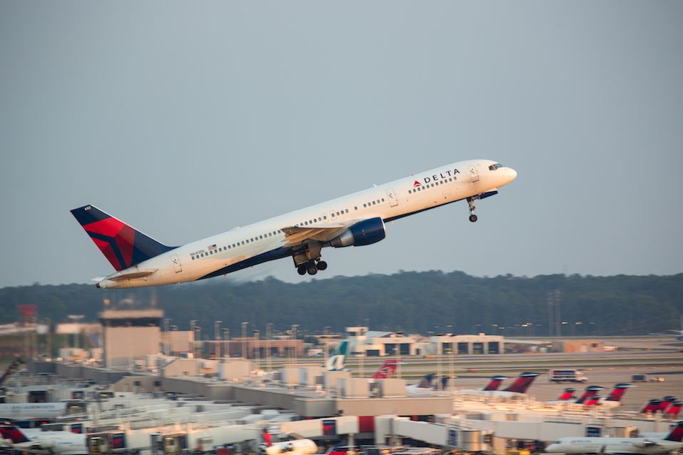Delta Boeing 757 flight taking off from Atlanta Hartsfield Jackson International airport