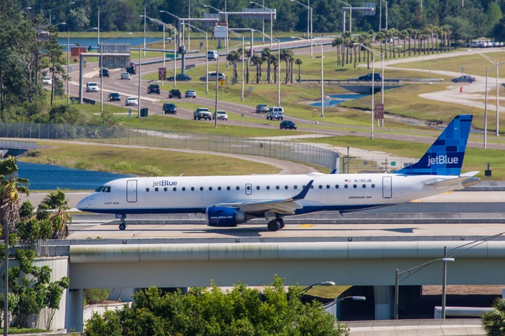 Embraer 145 JetBlue taxiing on Orlando International Airport