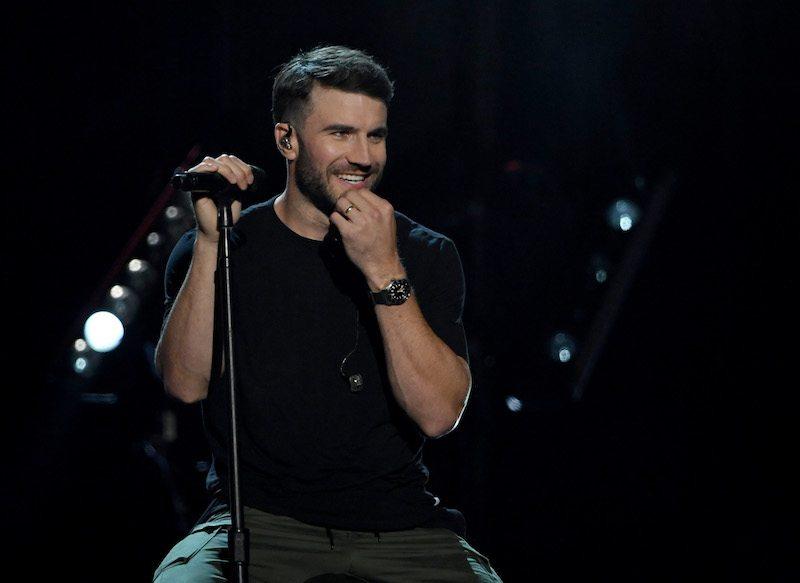 Recording artist Sam Hunt performs during the 2017 Billboard Music Awards