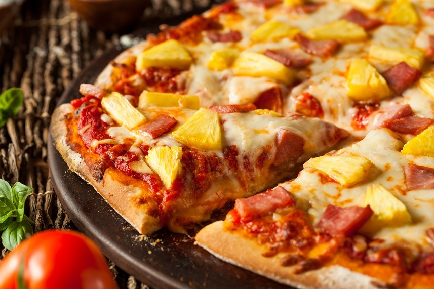 Pineapple and Ham Hawaiian Pizza